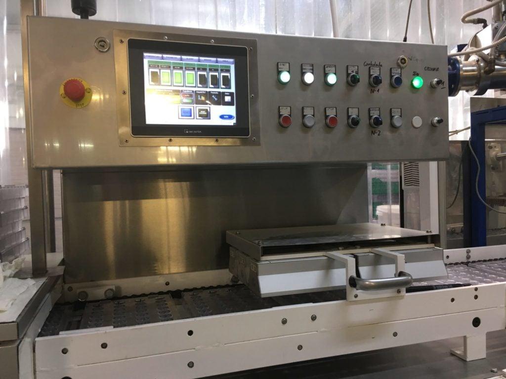 Linia do produkcji czekolady Nielsen M30 One Shot (Sterownik PLC, Panel HMI, Serwonapędy)