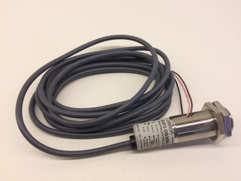 Czujnik Optyczny Odbiciowy OMRON E3F2-DS30B4-M