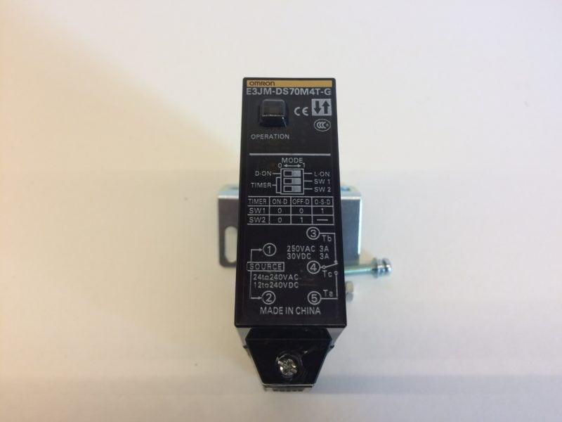 Czujnik Optyczny Odbiciowy OMRON E3JM-DS70M4T-G