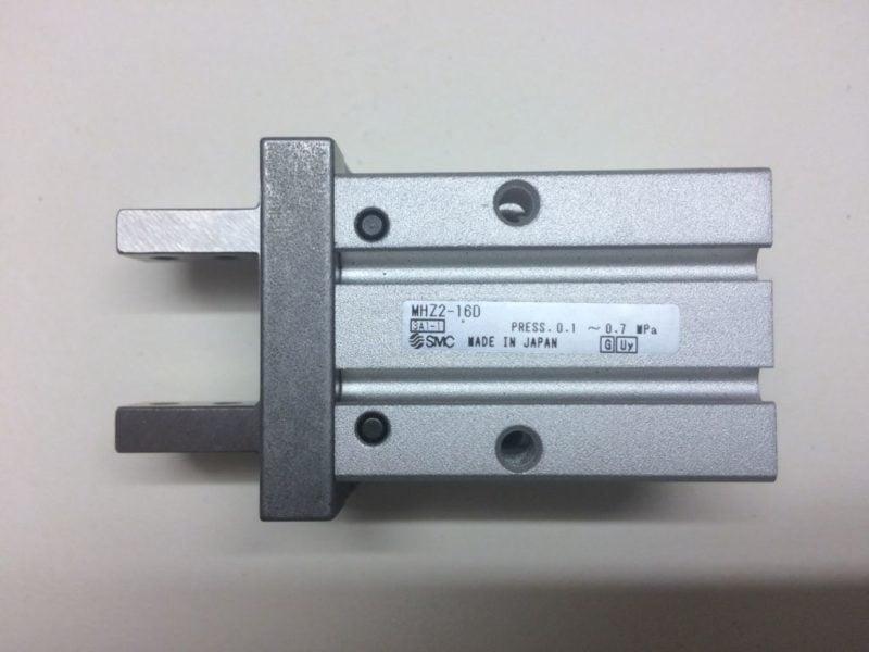 Chwytak Pneumatyczny SMC MHZ2-16D