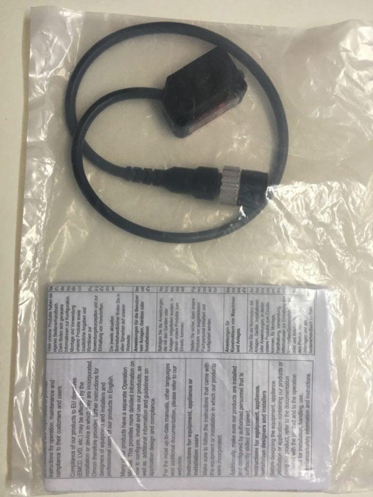 Czujnik fotoelektryczny OMRON E3Z-R81-M1J