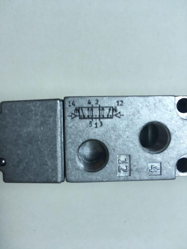 Elektrozawór FESTO VL-5/3E-1/8-B (31309)