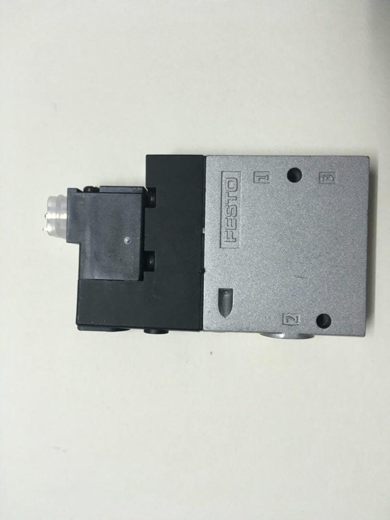 Elektrozawór FESTO CPE18-M1B-3GL-1/4-CS (SA-1418936A)