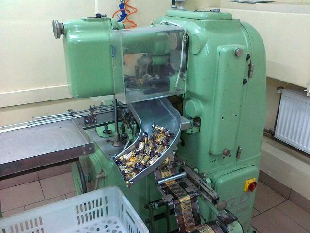 Automat pakujący na dwuskręt – GD (Italia)