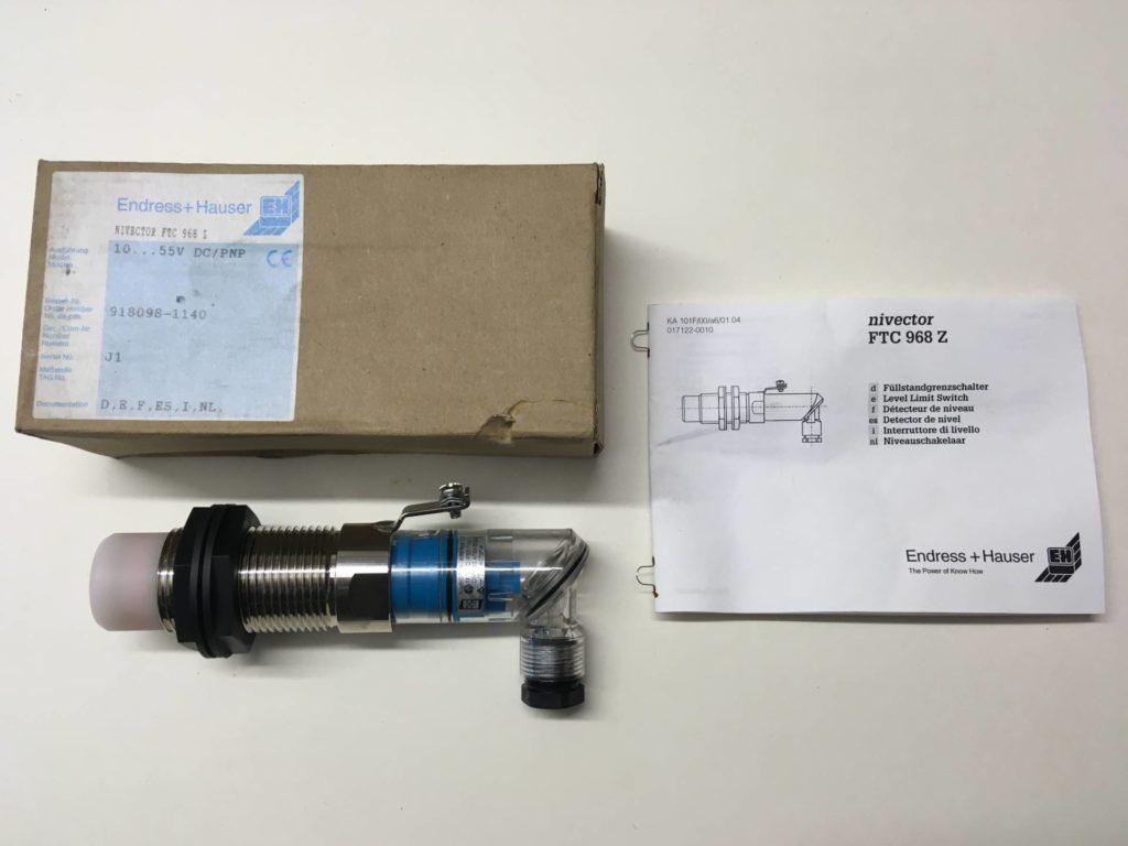 Pojemnościowy sygnalizator poziomu ENDRESS+HAUSER Nivector FTC 968Z DC