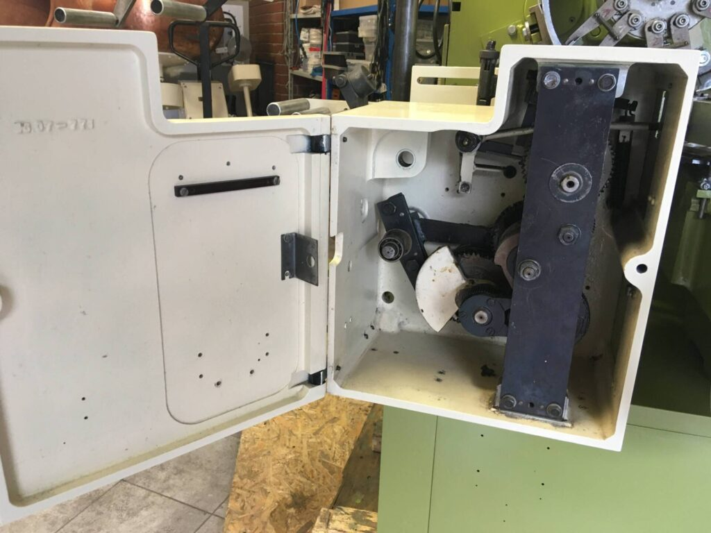 Automat Pakujący NAGEMA EL3, EU3