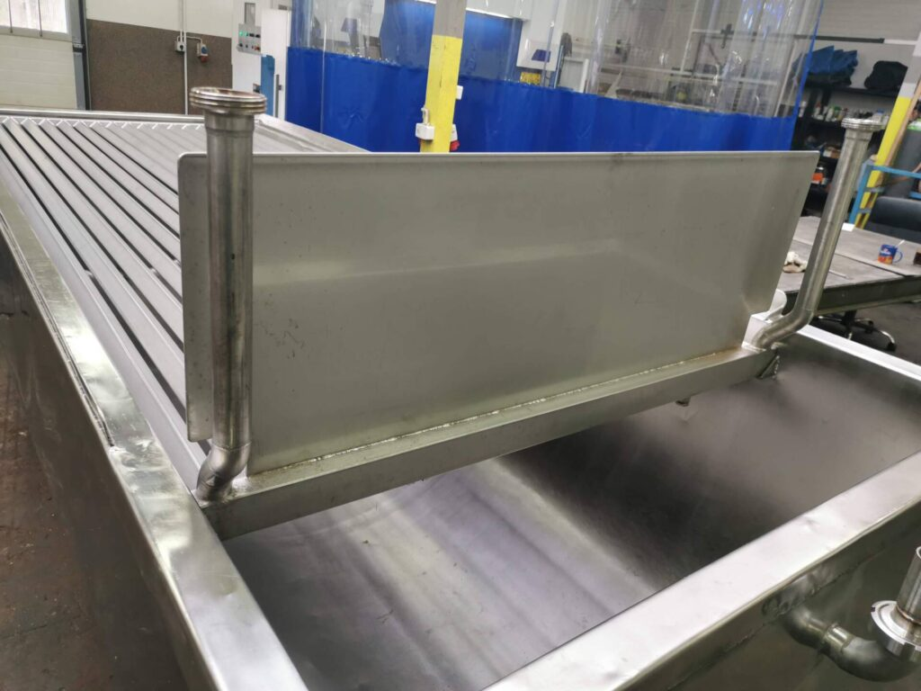 Fat melter with grille (capacity ~3.000kg)