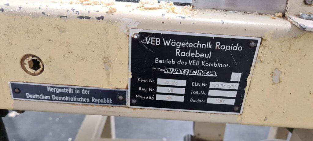 Elektryczny piec piekarniczy do wypieku wafli płaskich NAGEMA E-30 ze smarowaczką