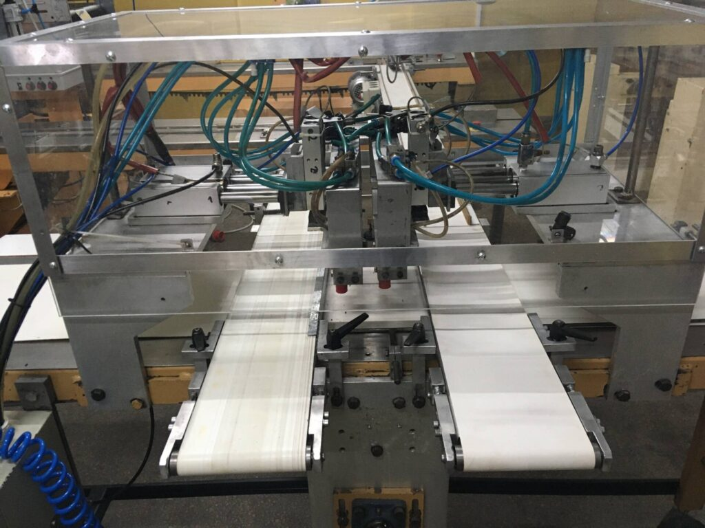 2 x Flowpack RENATTO MAZZETTI z automatycznym podajnikiem